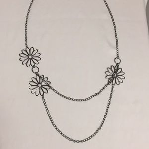 Layered Daisies Necklace and Earrings Set